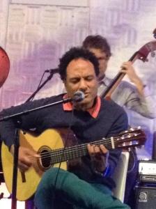 Yoham singing